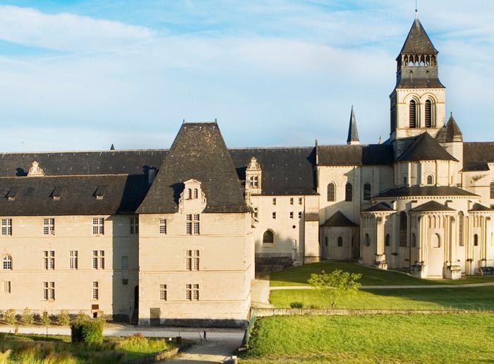de faire étape à l'Abbaye royale de Fontevraud