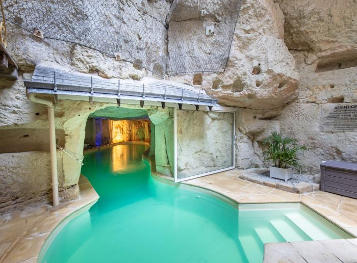 Gîtes et locations avec piscine couverte