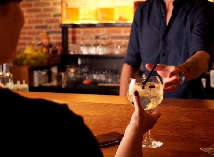 Golden Gin Tonic