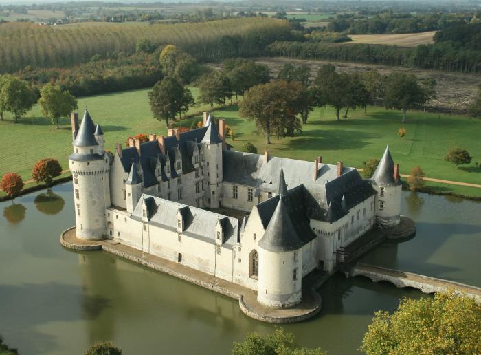 de se filmer au Château du Plessis-Bourré