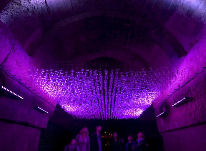 de pétiller dans les Caves Ackerman
