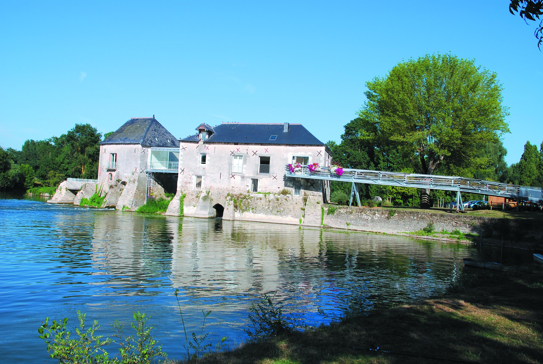Moulins de l anjou les moulins vent et moulins eau for Piscine du moulin a vent